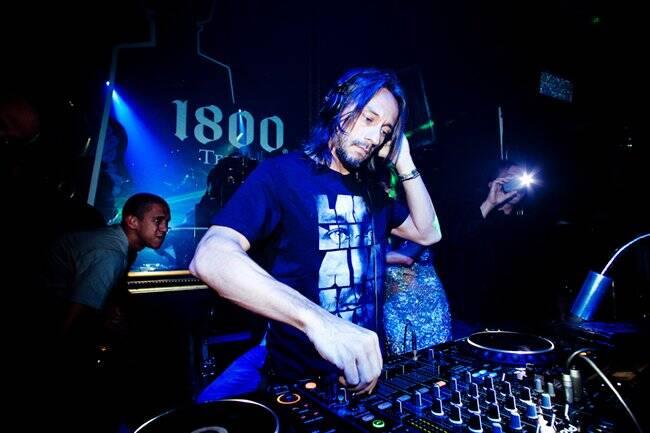 O super DJ da noite, Bob Sinclar