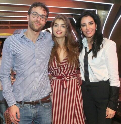 Antonia Frering com os filhos Lorenzo e Maria