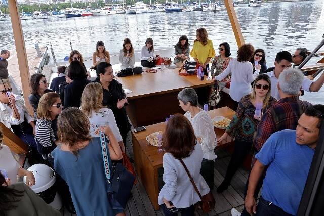 O barco, ancorado na Marina da Glória, onde aconteceu o evento