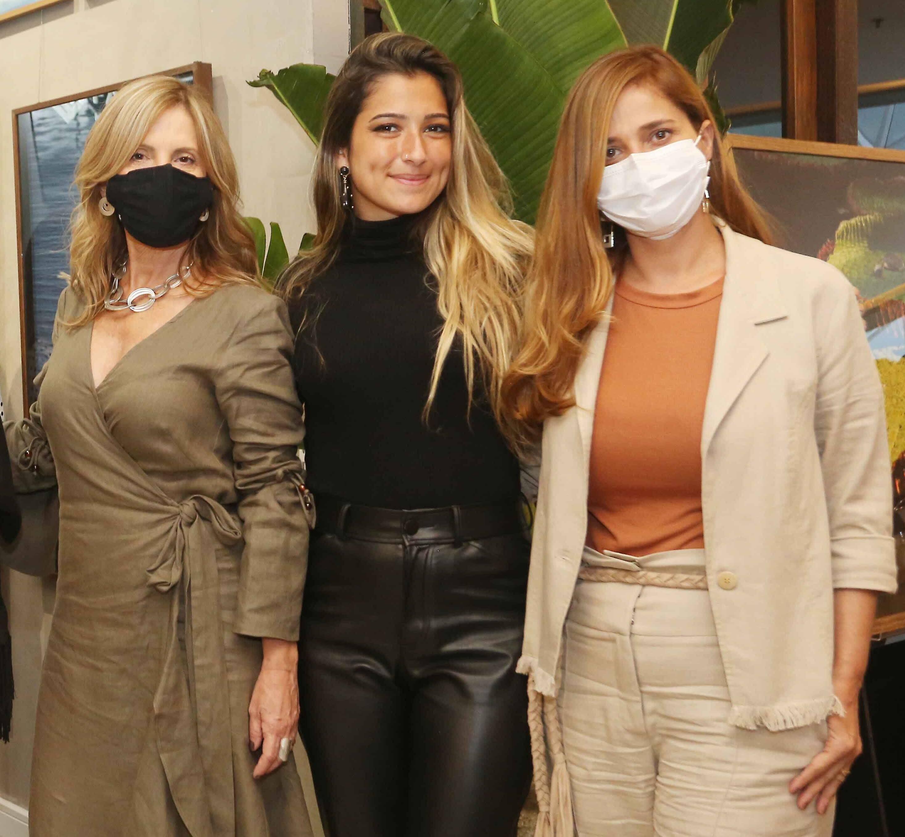Aurora Grei, Alice Eiras e Carla Napoleão /Foto: Reginaldo Teixeira