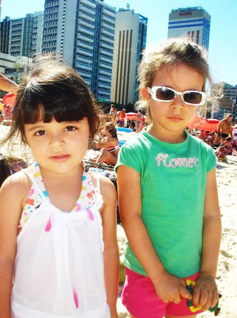 ana-luiza-e-maria-clara-ja-mostram-que-tem-um-estilo-bem-carioca