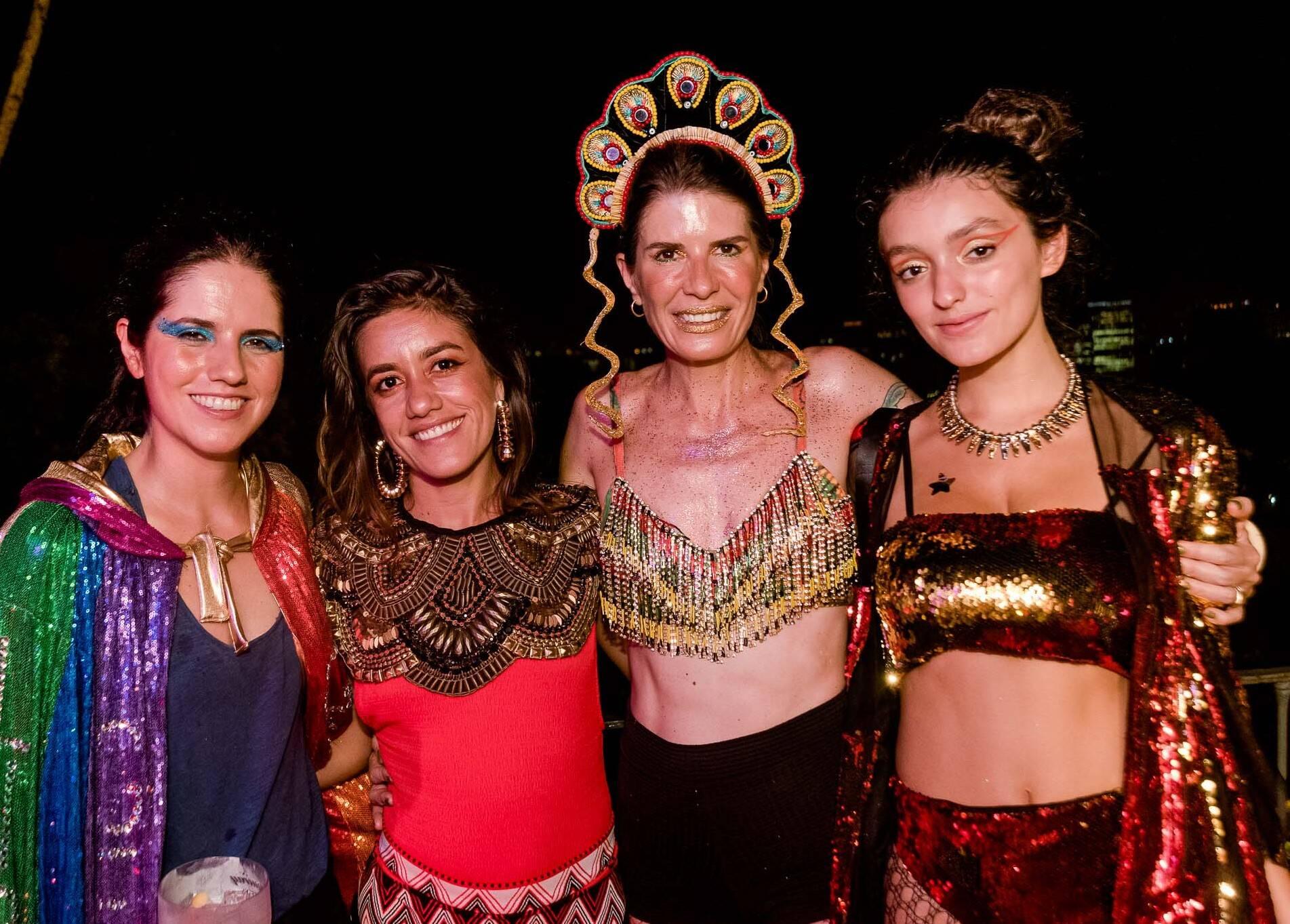 Luisa Duarte, Livia Barros, Joana Braga e Luna São Vicente /Foto: Bruno Ryfer
