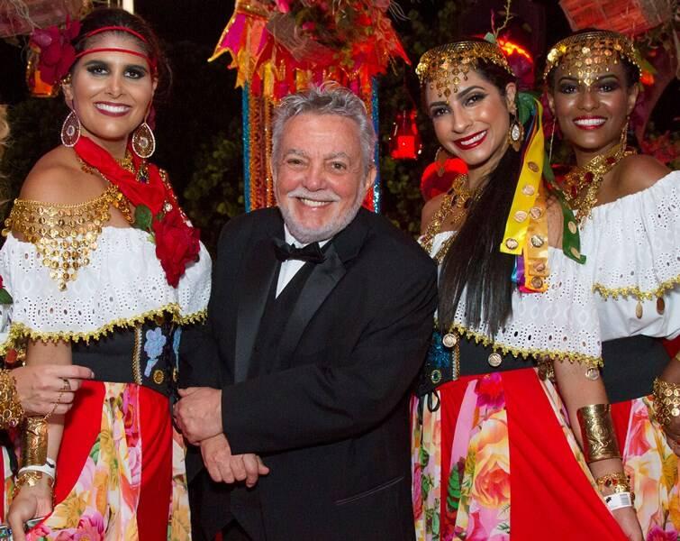 Mario Borriello e suas ciganas
