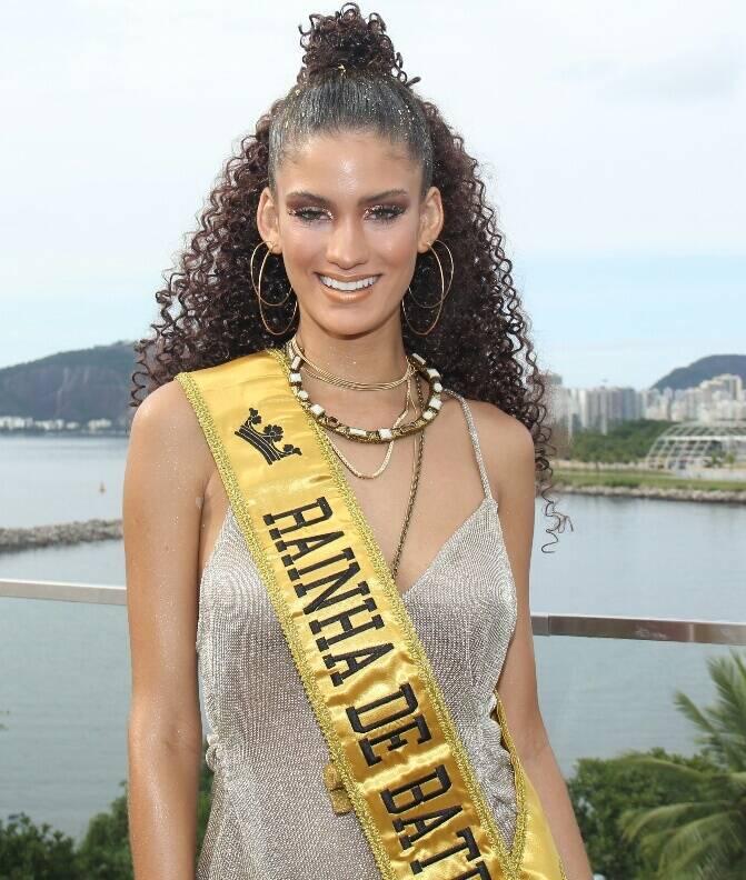 "Laura Fernandez, nora de Preta, foi a ""Rainha de Bateria"""