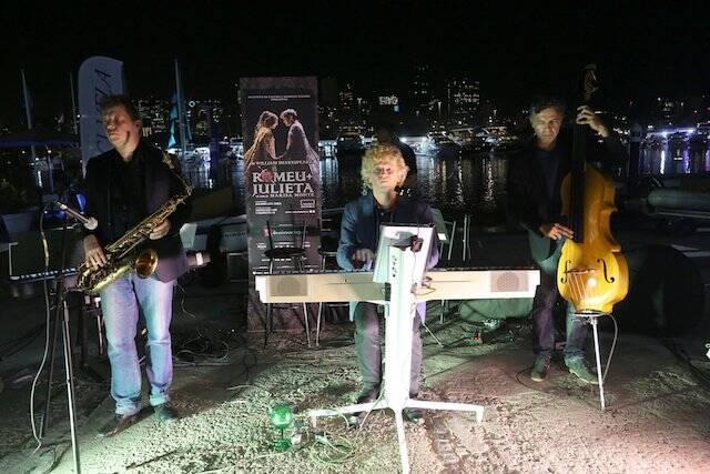 A banda que acompanhou Bárbara Sut e Gabriel Vicente na apresentação de Romeo e Julieta