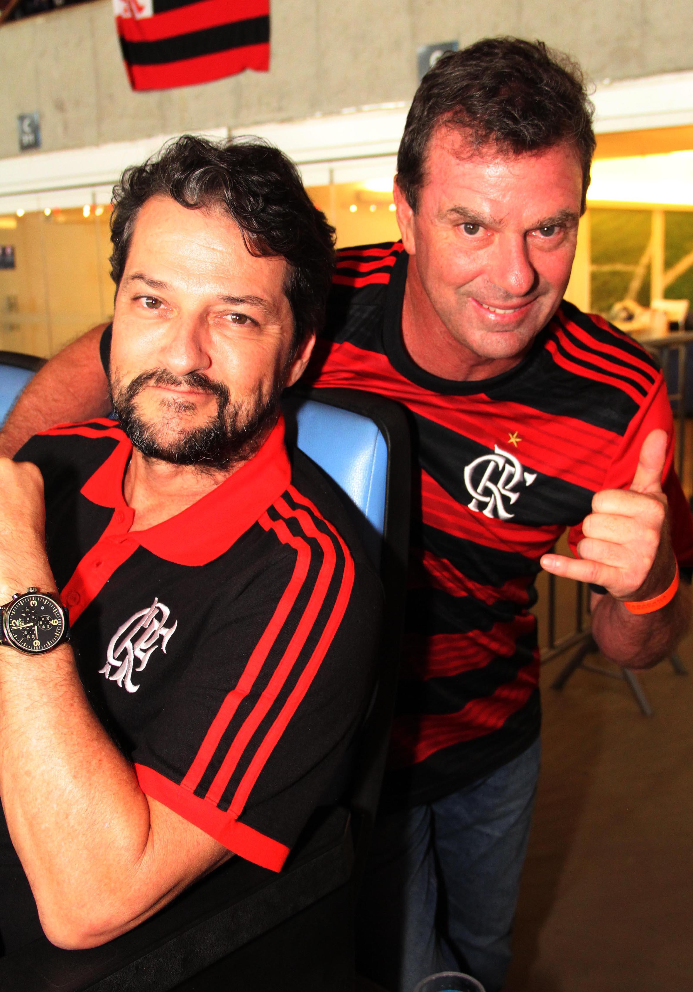 Os irmãos Marcelo e Alexandre Serrado também estavam no mesmo camarote que o governador /Foto: Paulo de Deus