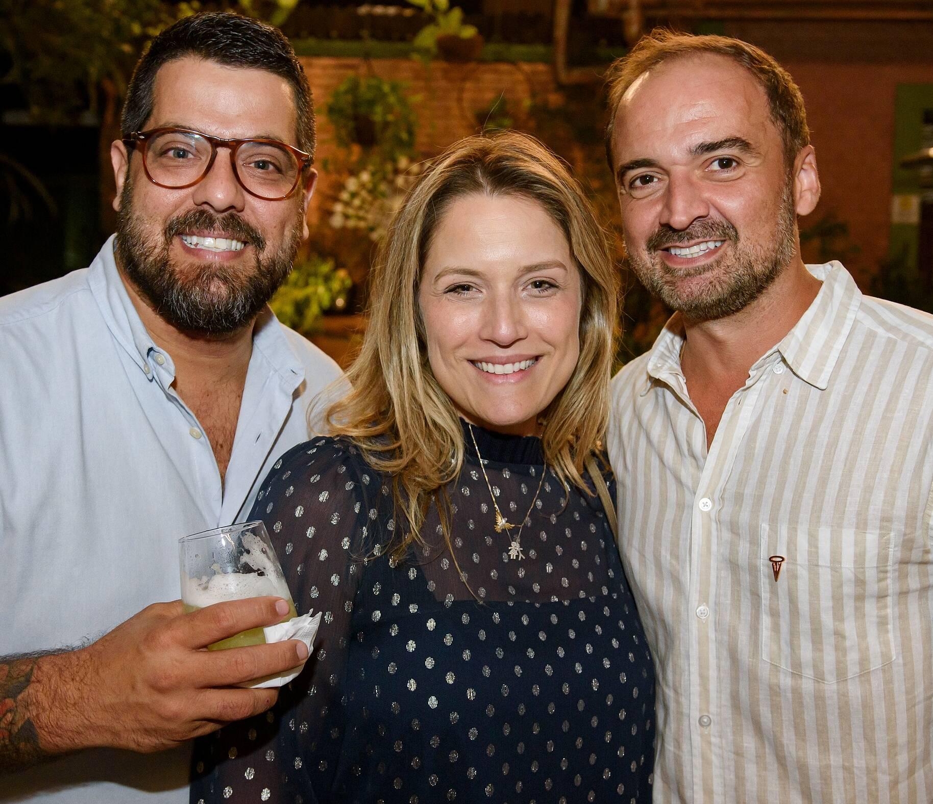 Pipo e Melissa Calazans e Junior Alexandre / Foto: RicaLucas