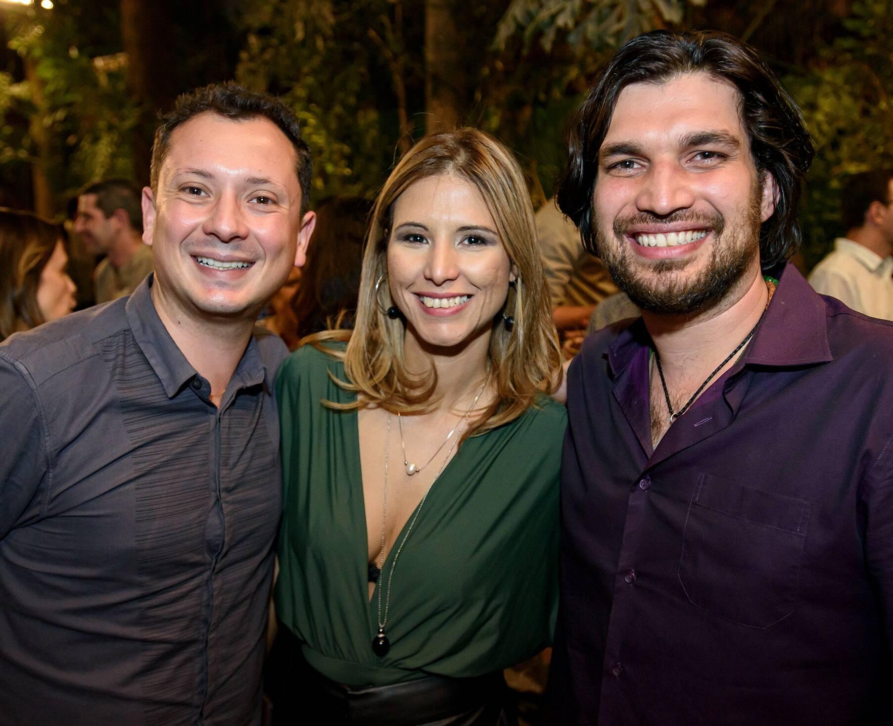 Thiago Tofoli, Samanta Vasconcelos e Gabriel Ossian  / Foto: RicaLucas
