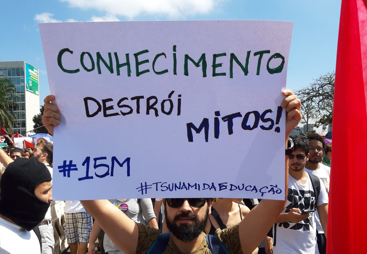 #Tsunamidaeducacao pelo Brasil /Foto: Reprodução