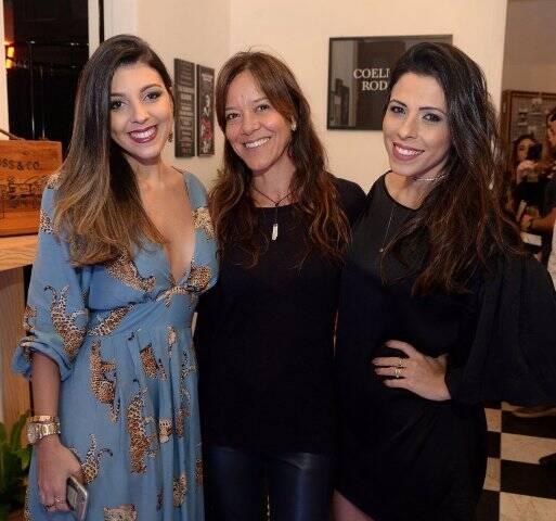 Jessica Placides, Thays Castro e Daniele Coelho