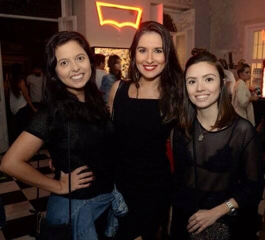 Vivian Fernandez, Juliana Desterro e Isabela Dias