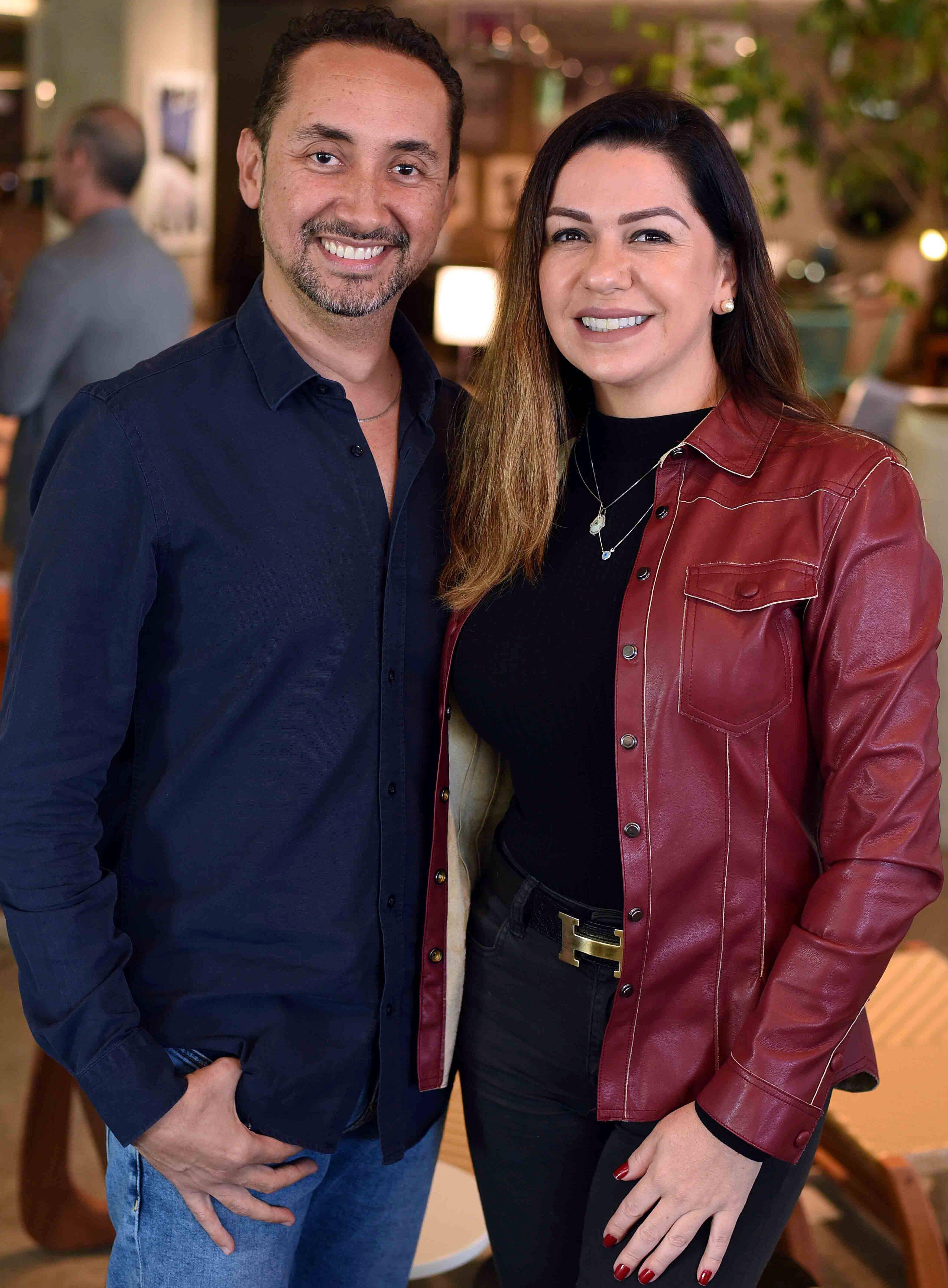 Emerson Araujo e Amanda Ambrosio  / Foto: Ari Kaye