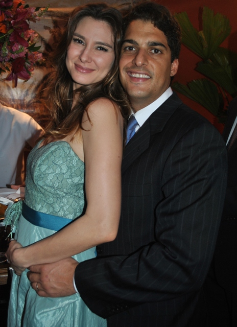http://lulacerda.ig.com.br/wp-content/gallery/casamento-bubu/1a-la-colombo.jpg