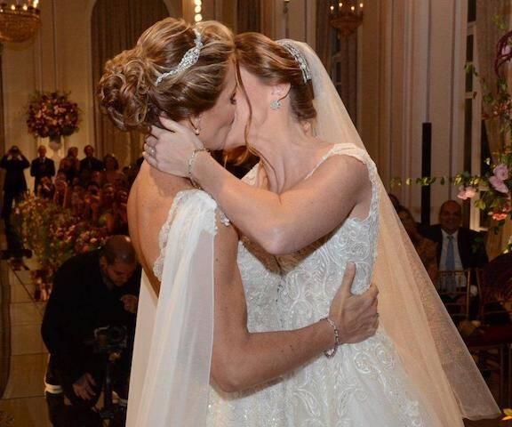 As noivas Priscila Raab e Roberta Gradel