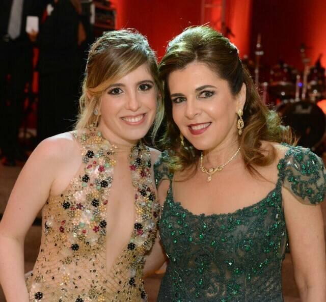 Gabriela e Andrea Niskier: irmã e mãe da noiva, Giovanna