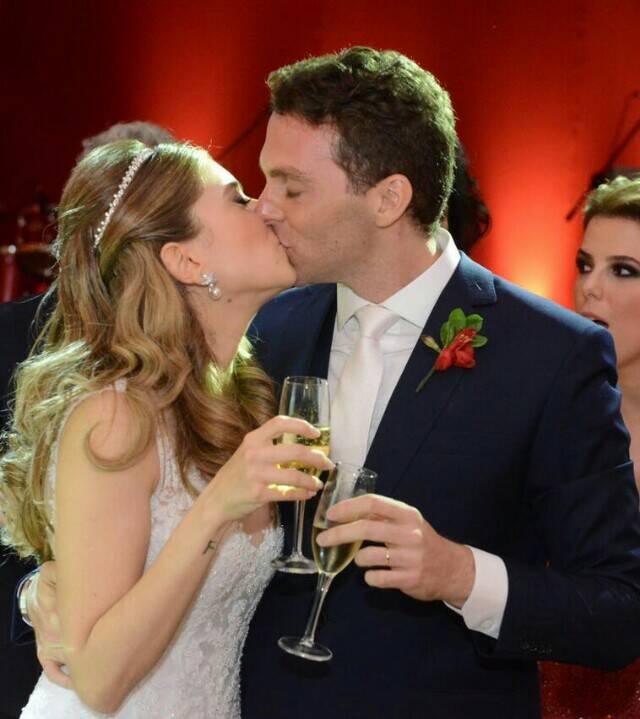 Os noivos Giovanna Niskier e Felippe Saadia