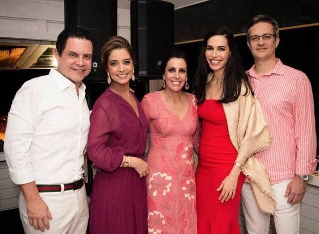 André Barbosa, Karla Assed, Rafaela Bibas com Gabriela e Claudio Munhoz