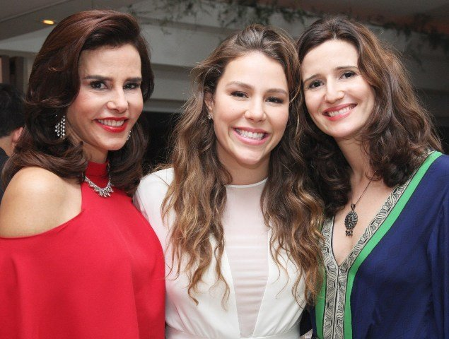 Narcisa Tamborindeguy com as filhas Catahrina e Marianna