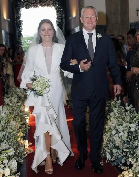 A noiva Catarina com o pai, Caco Johannpeter