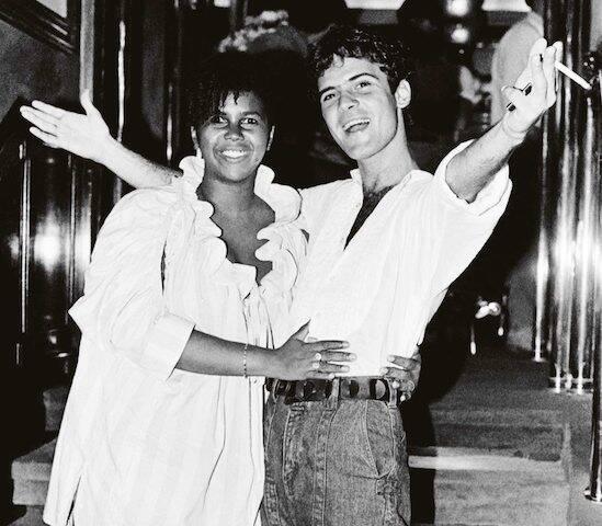 Sandra de Sá e Cazuza durante sua festa de aniversário, no Castel, em 1986