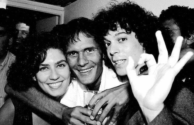 Patrícia Pillar, Cazuza e Dé Palmeira nos bastidores do show de Cazuza, no Canecão, em março de 1988