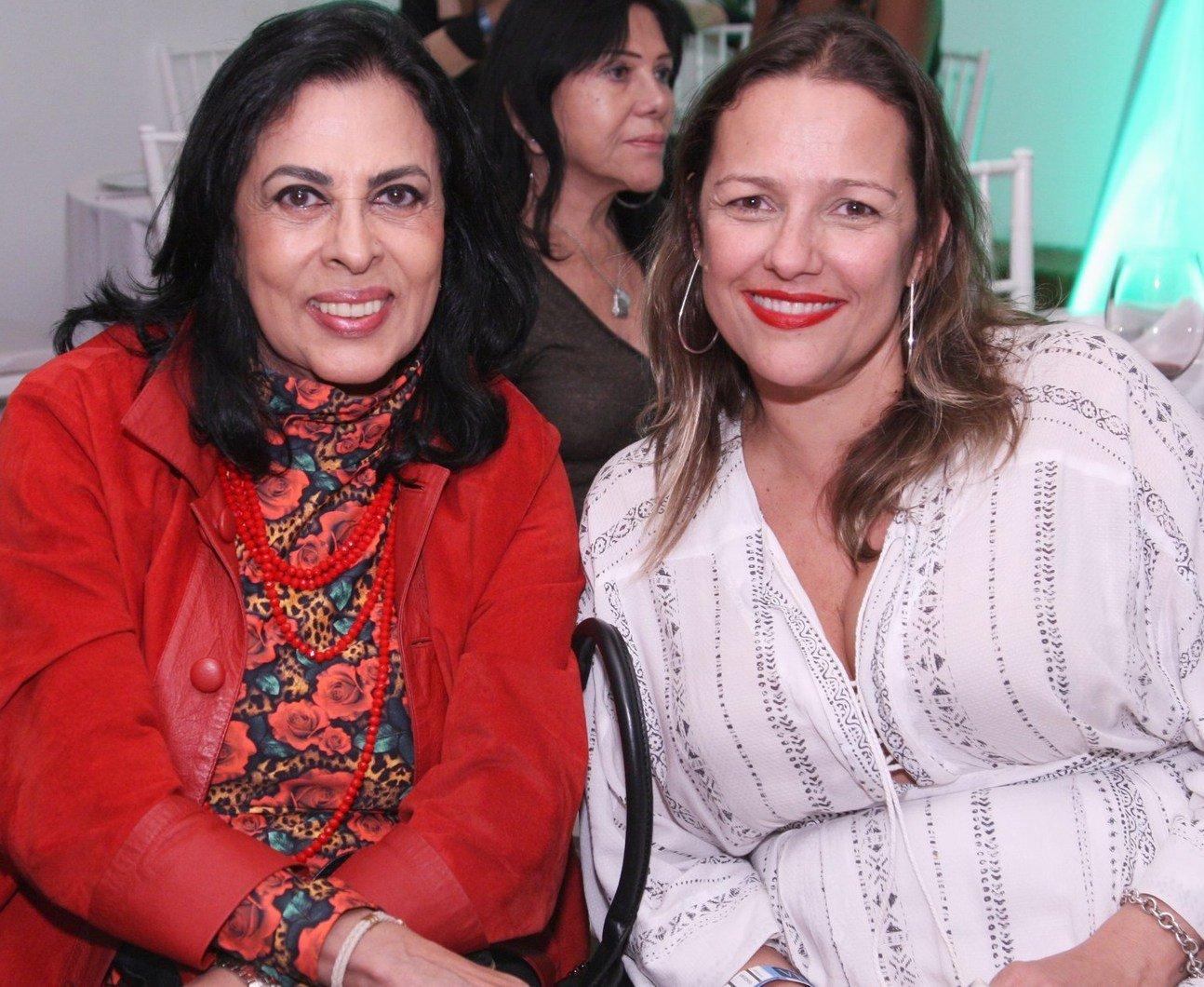 Maria Luiza Mendonça e Juliana Mendes  - Fotos: Vera Donato