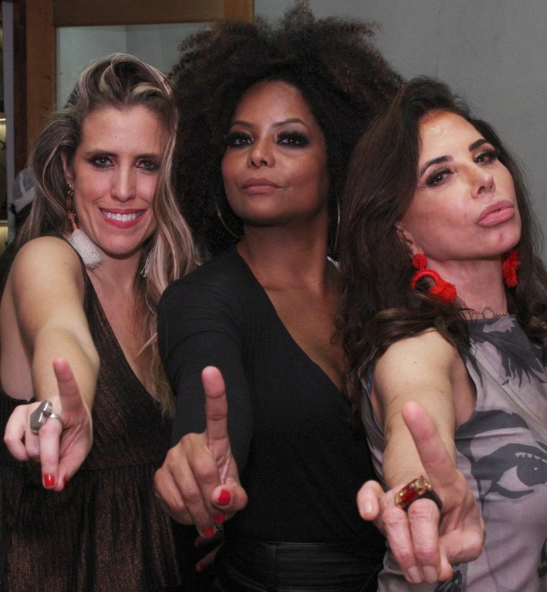 Bruna Barros, Adriana Bombom e Claudia Alencar  - Fotos: Vera Donato