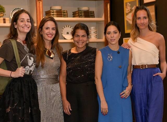 Paula Raia, Malu Barreto, Daniela Falcão, Stephanie Wenk e Nathalie Rumpf