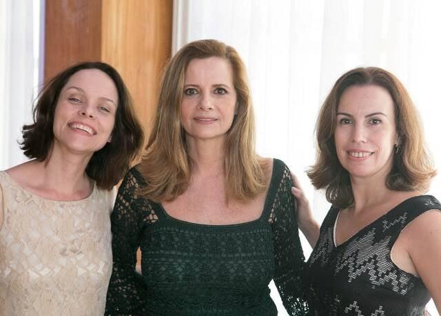Patricia Bentes entre Ana Luiza Rabello e Luisa Neves