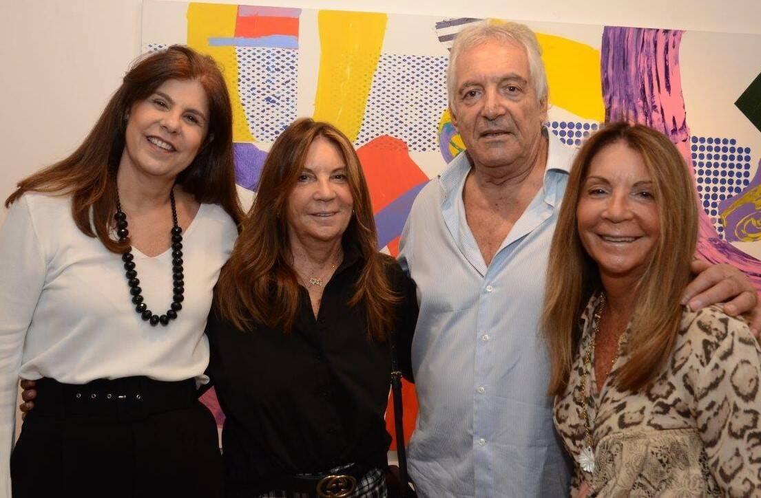 Patrícia Costa, Ana Maria, Gian Carlo e Mercedes Masque na inauguração da mostra de John Nicholson  /Foto: Marco Rodrigues