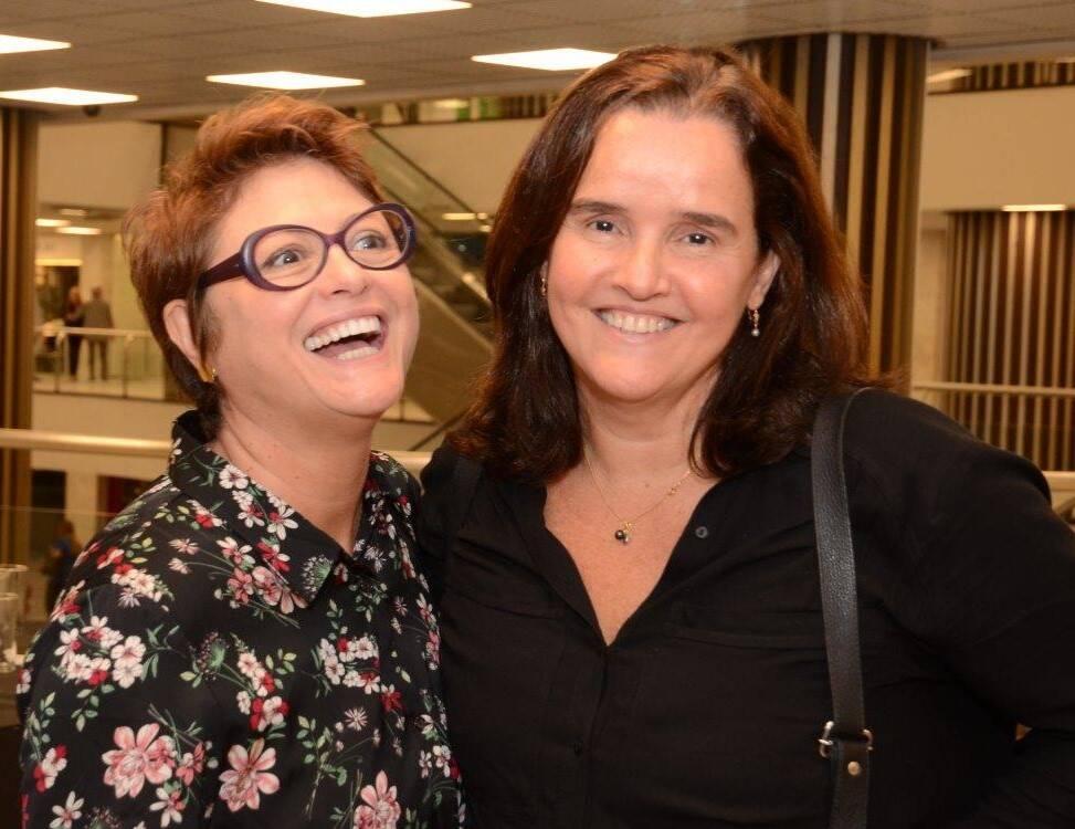 Ana Durães e Márcia Prattes na mostra de John Nicholson /Foto: Marco Rodrigues