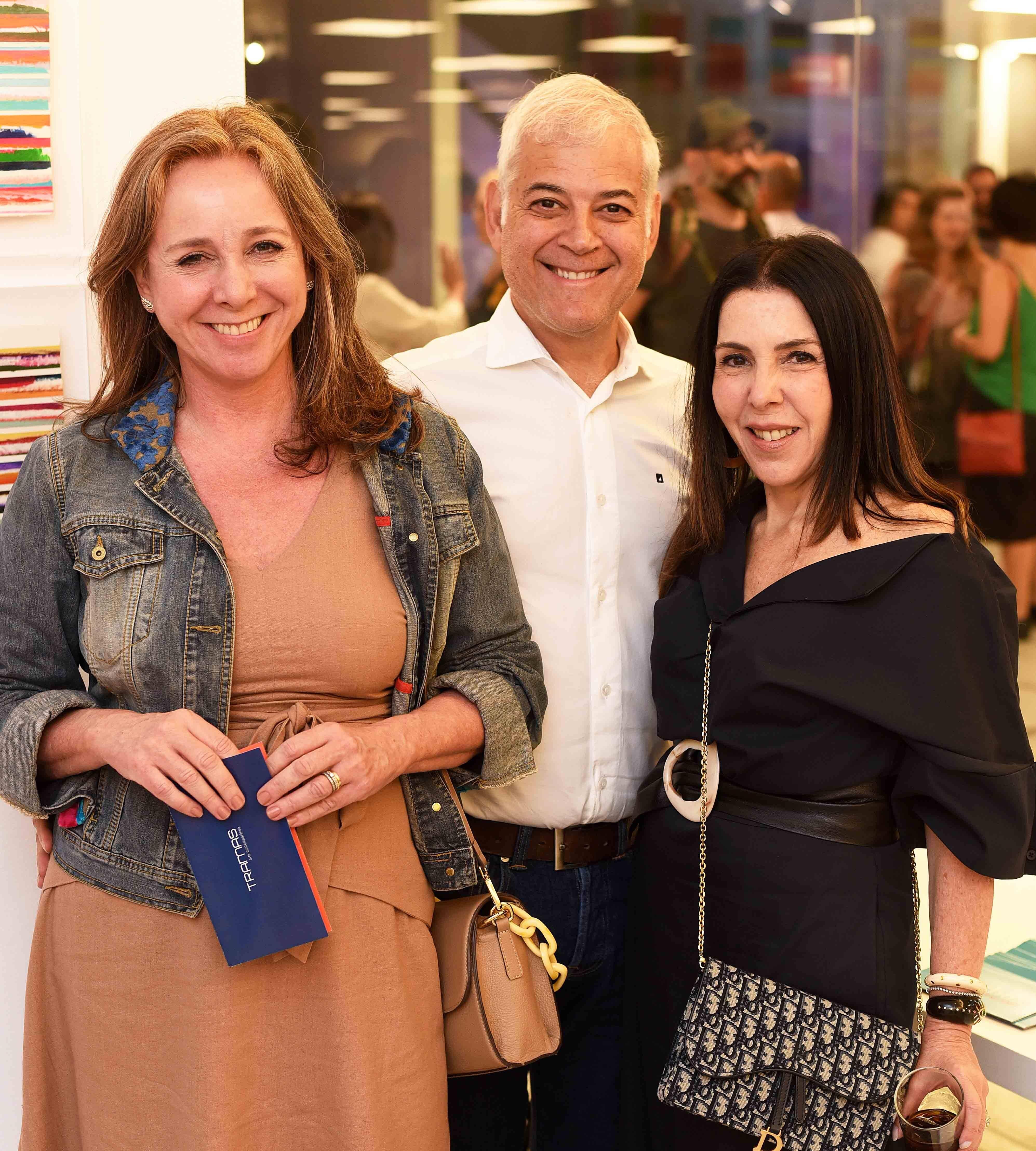 Cecilia e Mauricio Nóbrega com Paola Ribeiro  /Foto: Ari Kaye