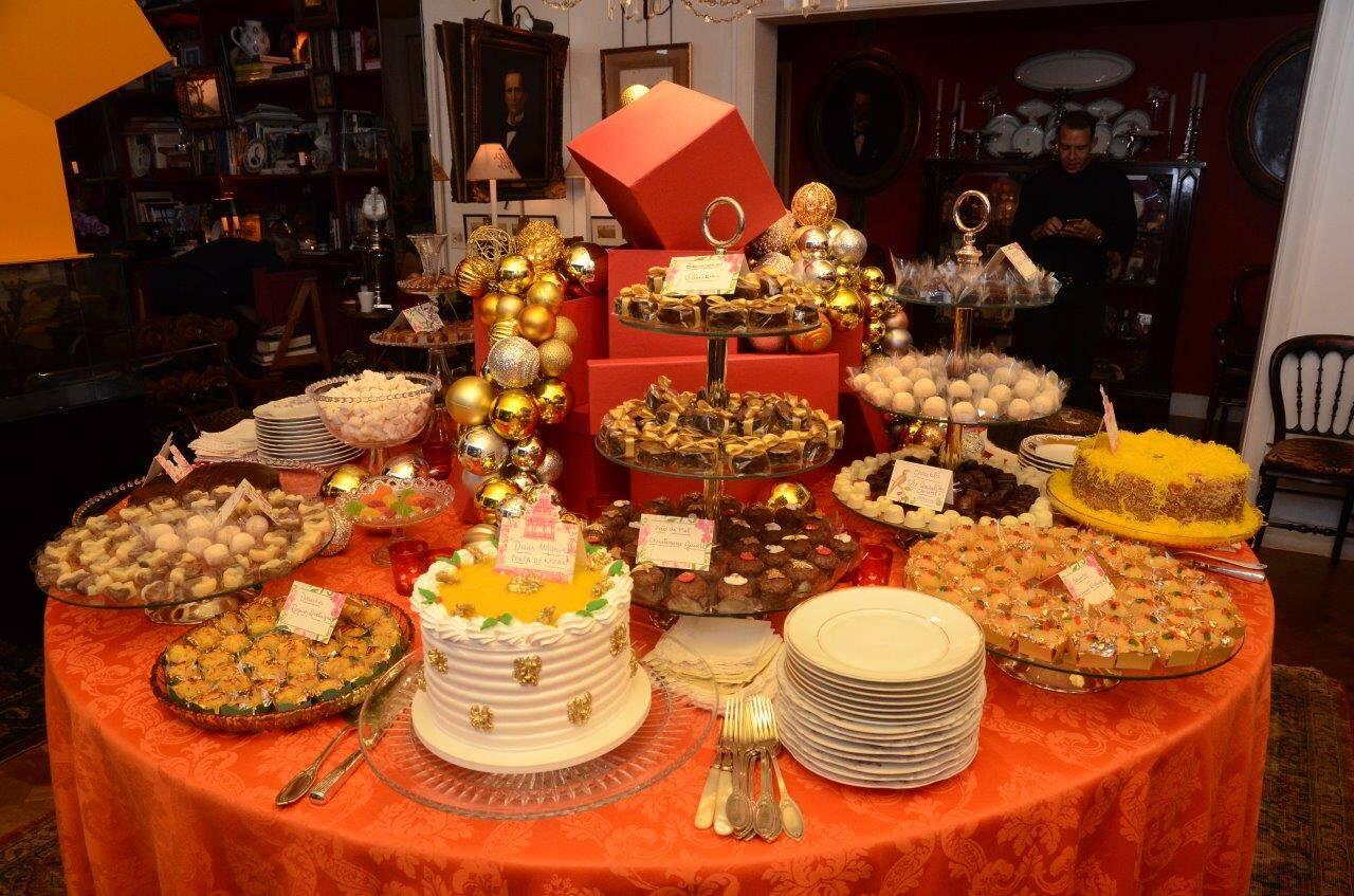 A decoração da mesa de bolos e doces  /Foto: Marco Rodrigues