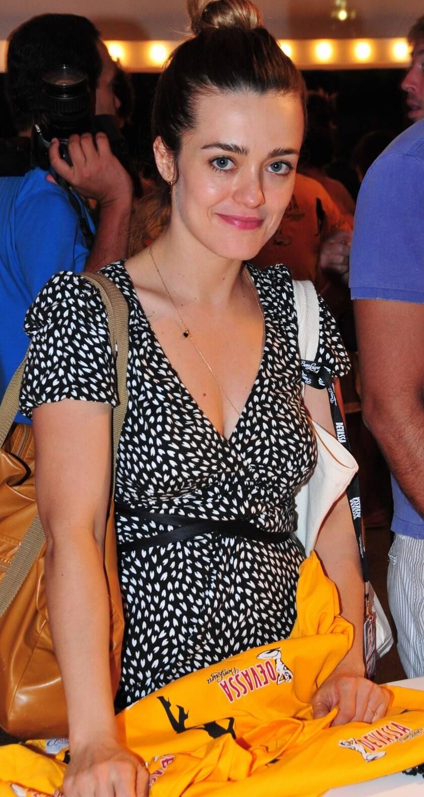 Karine Carvalho Nude Photos 3