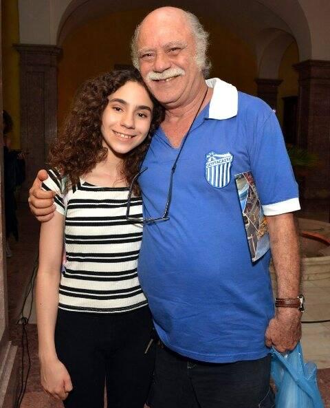 Nina Sofia com o pai Tonico Pereira