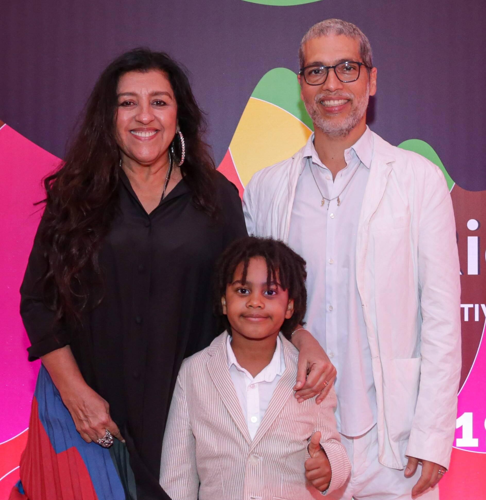 Regina Casé , Roque e Estevão Ciavatta  /Foto: Davi Campana