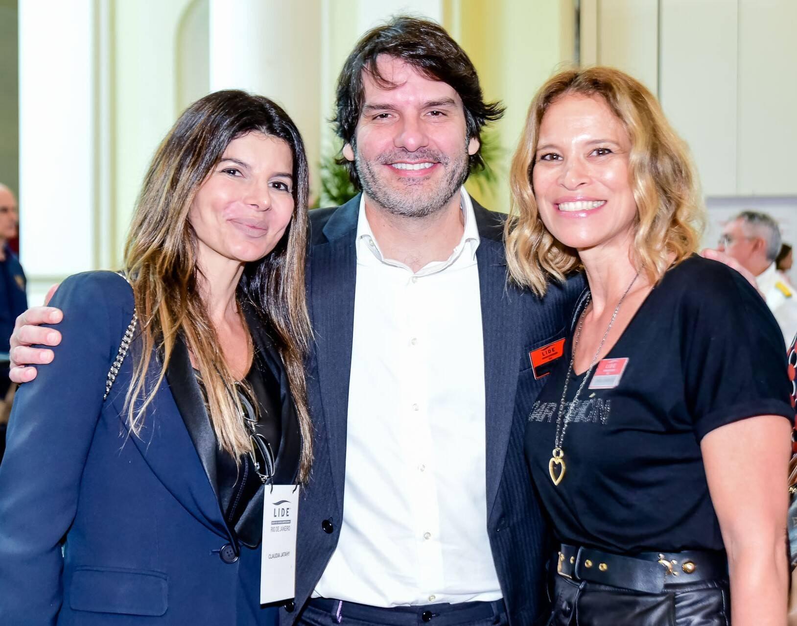 Claudia e Roberto Jatahy  e Carla Barros  /Foto: Renato Wrobel