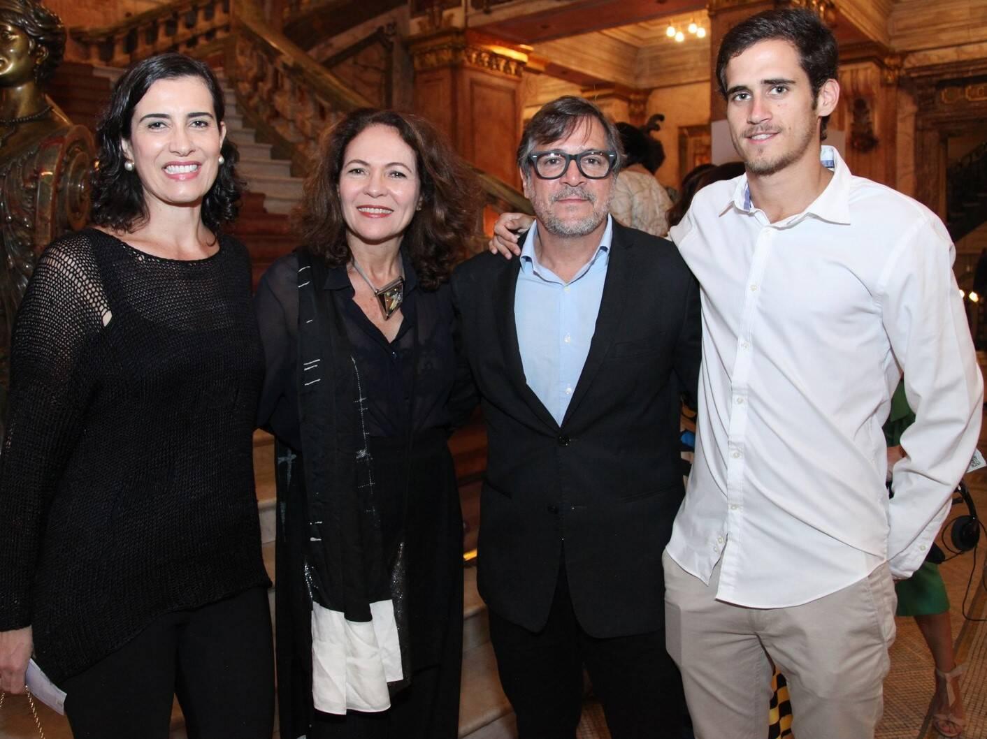 Flávia Manahu , Roberta Damasceno, Paquito e Pedro Lucas /Foto: Vera Donato