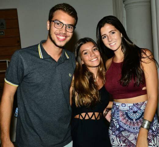 Joaquim e Antônia Motta com Mariana Pinheiro