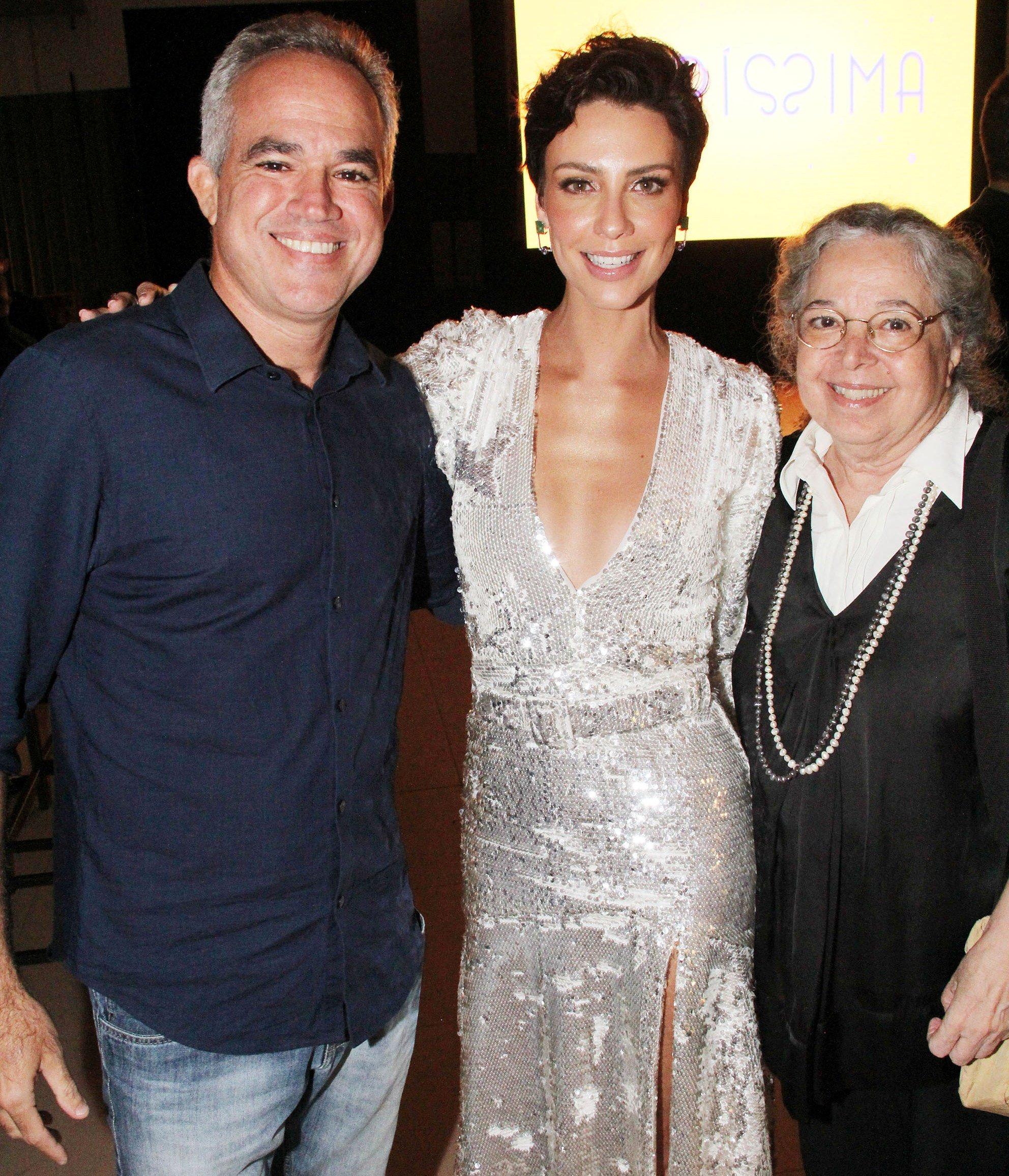 Camila Rodrigues entre Rodrigo e Camilla Amado / Foto: Paulo de Deus