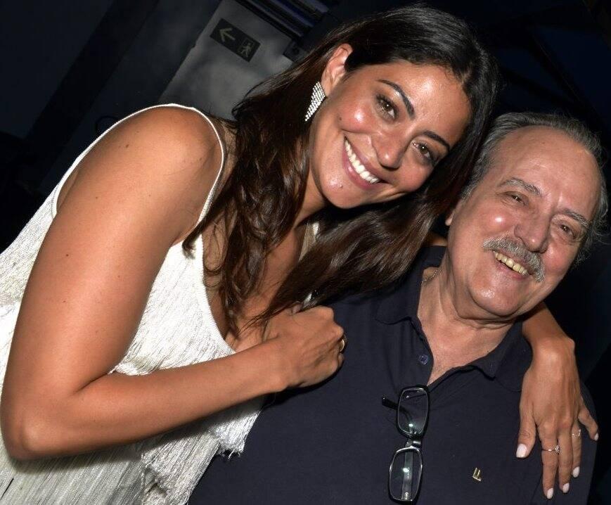 A atriz Carol Castro com seu pai, o também ator Luca de Castro