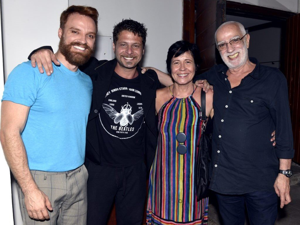 Os atores Alex Morenno, Augusto Zacchi com a autora Thelma Guedes  e o diretor  Roberto Lage  /Foto: Cristina Granato