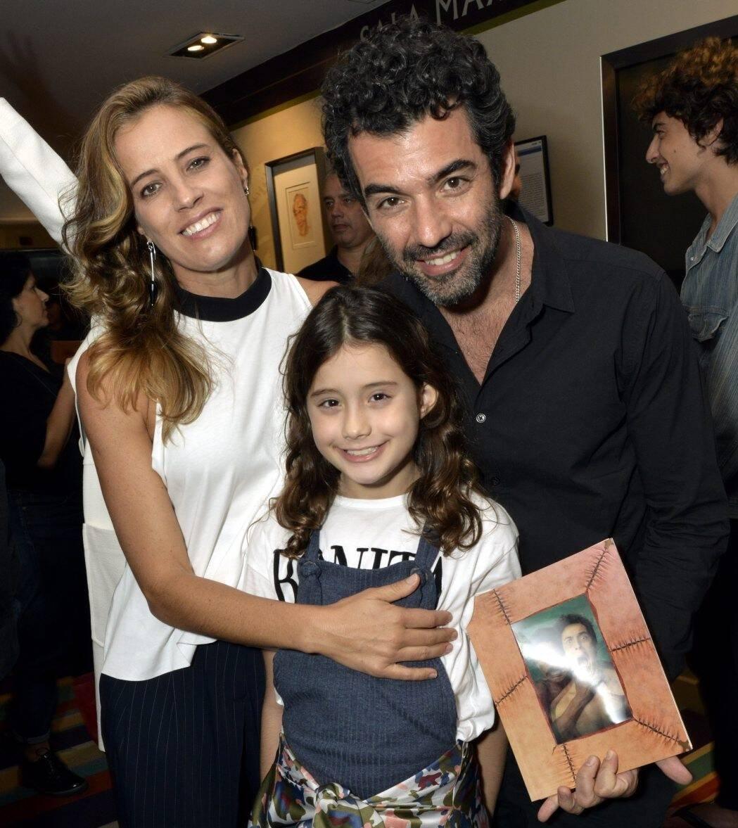 Luciana Brites e Gustavo Machado com  a filha  Miranda /Foto: Cristina Granato