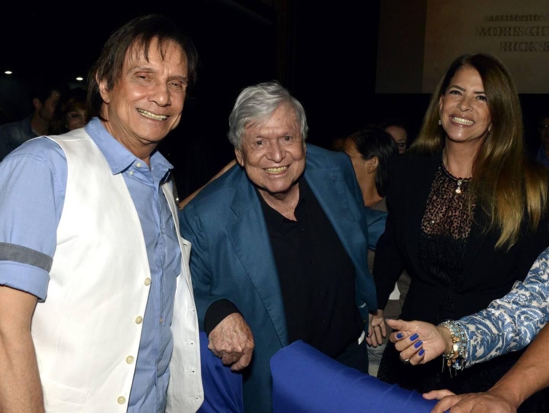 Roberto Carlos com o casal Lou e Boni de Oliveira  /Foto: Cristina Granato