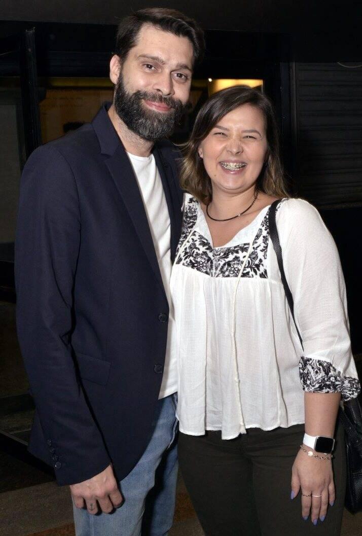 Gabriel Burgos e Jarlene Magalhães  - Fotos: Cristina Granato