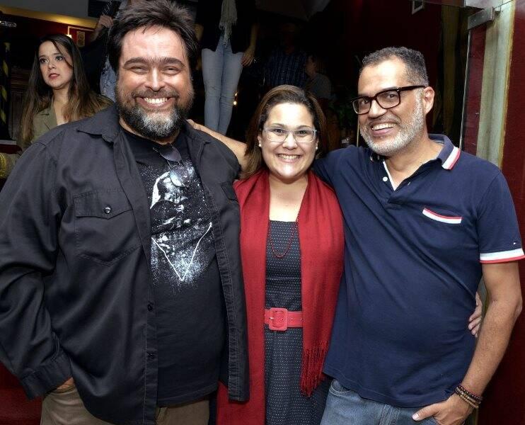 Eduardo Barata com o casal Tom e Elaine Pires