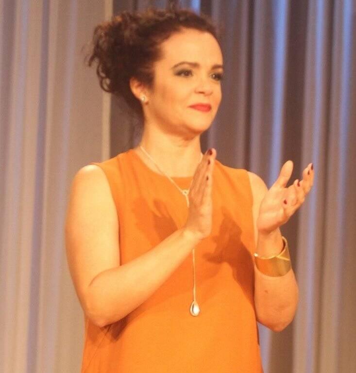 Luciana Braga em cena