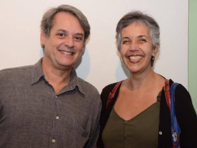 Um dos curadores Jorge Sayão e Carla Francalanci