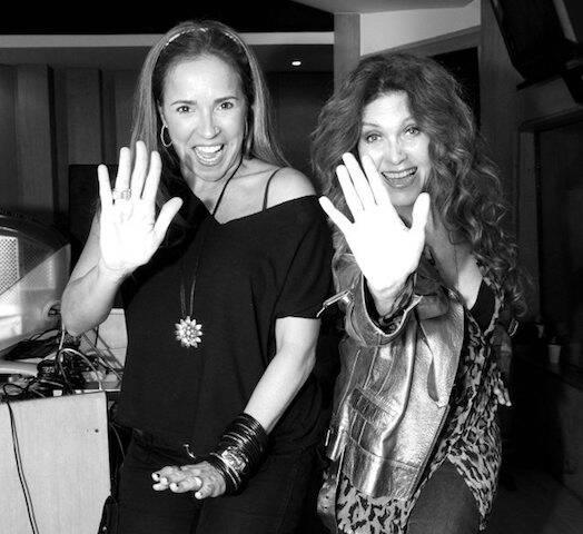 """Daniela Mercury e Wanderlea, durante a gravação de """"Elas Cantam Roberto Carlos, em maio de 2009"""
