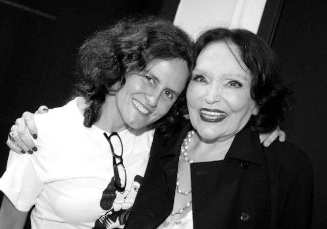 Bia Lessa e Bibi Ferreira no show de Maria Bethânia, no Vivo Rio, em dezembro de 2006